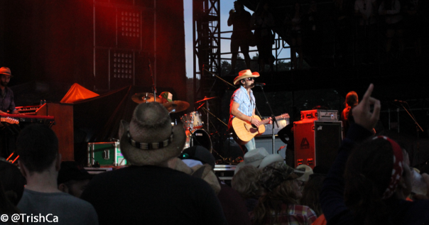 Dean Brody at Boots and Hearts 2013 [credit: Trish Cassling]