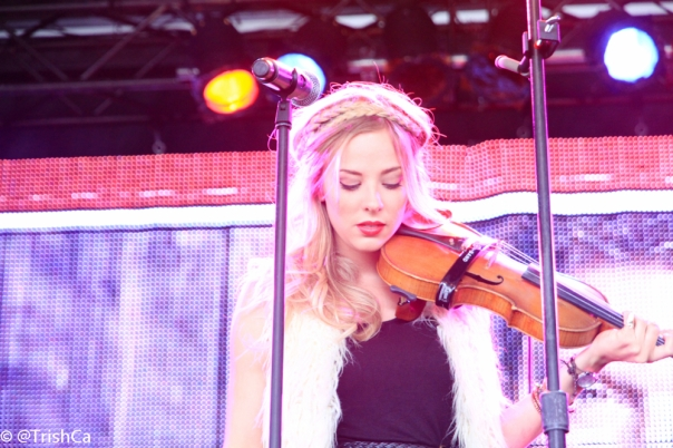 Mackenzie Porter Portrait Boots and Hearts 2013 [credit: Trish Cassling]