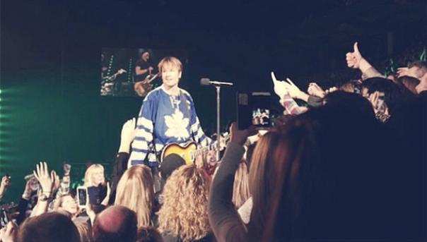 Keith Urban, Toronto Maple Leafs Jersey